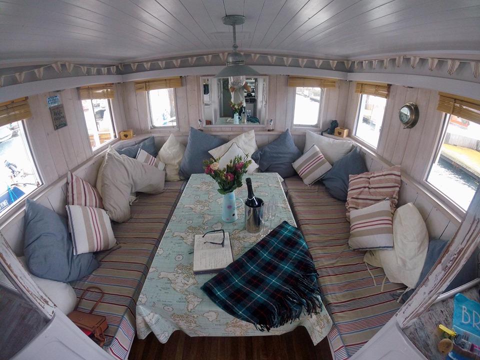 Static Boat Breaks Brixham - Lounge view